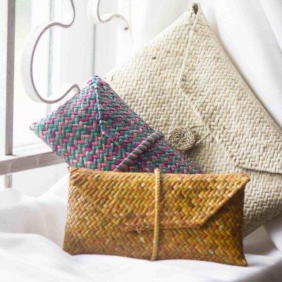 rattan-woven-envelope-pouches